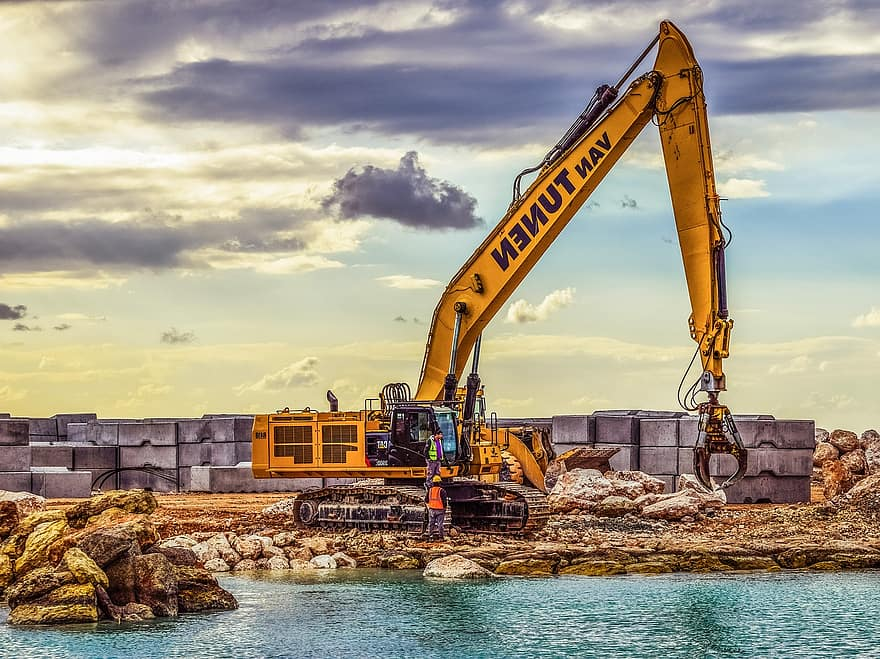 How Construction Businesses Should Approach Social Media for Marketing